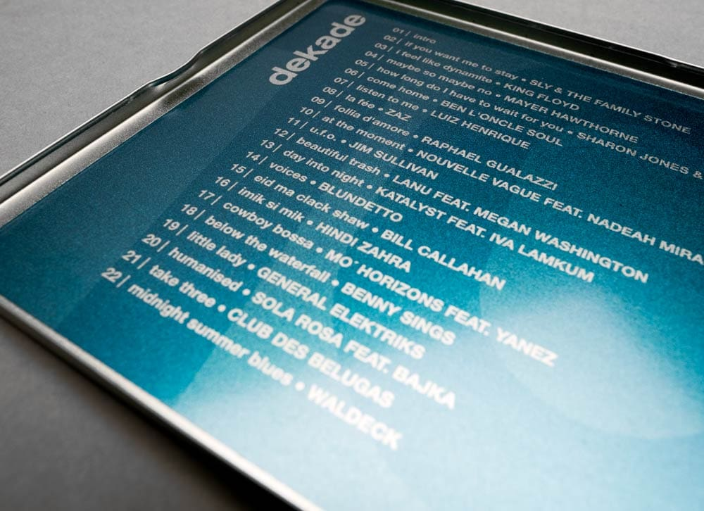 dekade, Musik Compilation, CD Cover, CD Metallhülle, Cover Artwork, Innenansicht, Detail