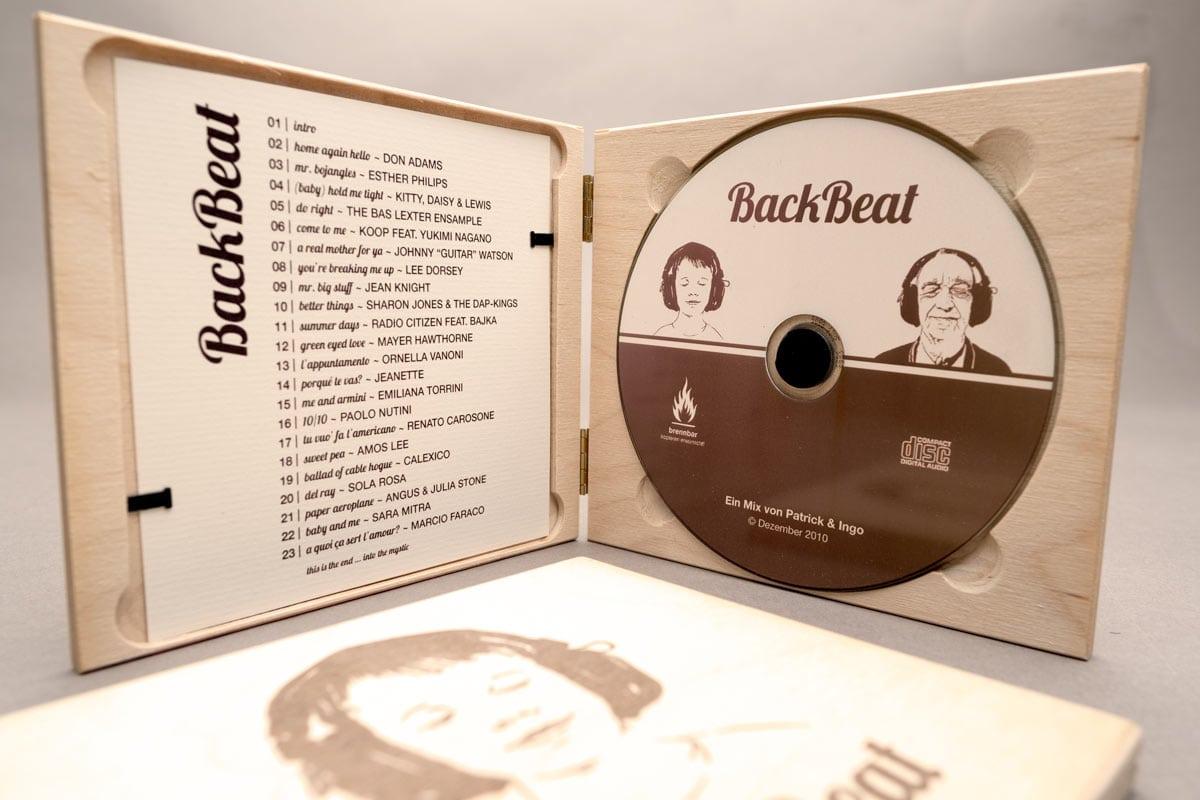 BackBeat, Musik Compilation, Booklet, CD-Label, CD Cover, CD Holzhülle, Illustration, Cover Artwork, Innenansicht